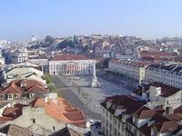 Вымощенная мозаикой площадь Росиу (Лиссабон)